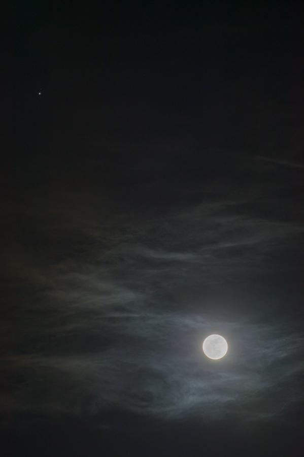Moon_Jupiter_150204_01.jpg