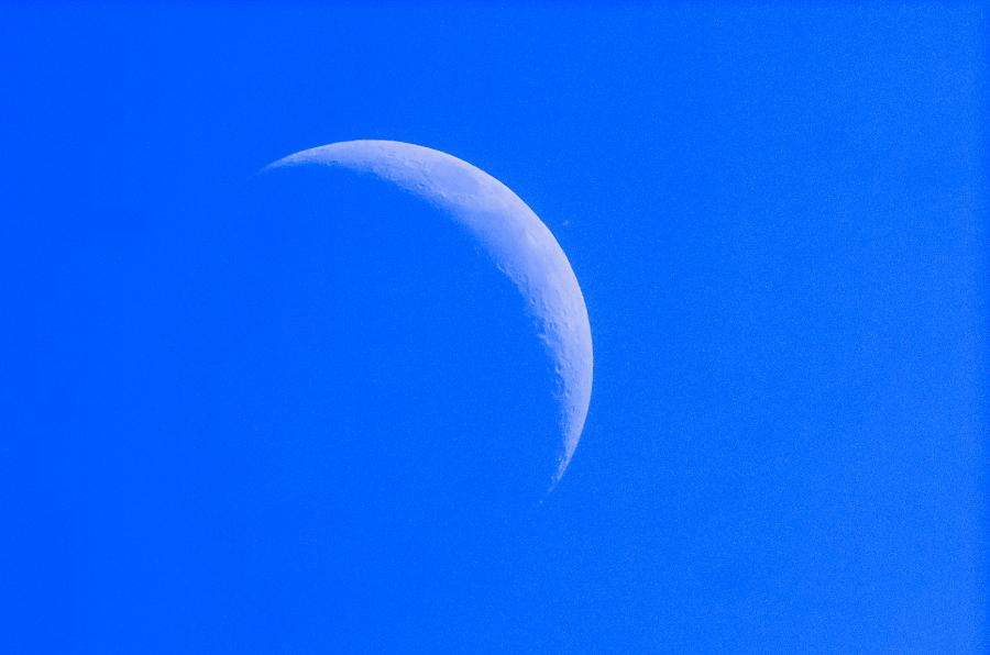 moon-saturn_out.jpg