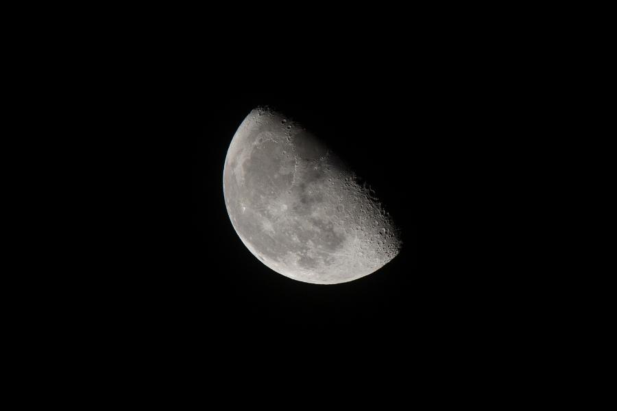 moon_140915_01.jpg