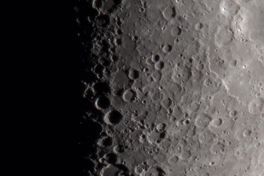 moon_151218_02.jpg